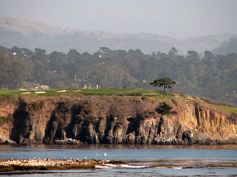 800px-Pebble_Beach_17th_hole
