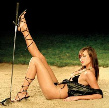 sexy-golf-caddie_display_image