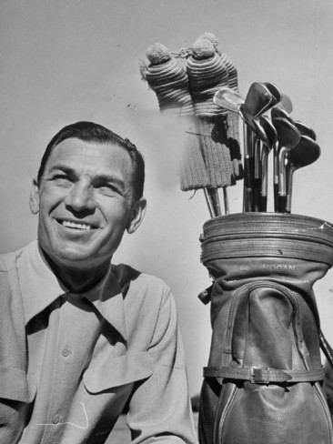 martha-holmes-golfer-ben-hogan-with-golf-bag