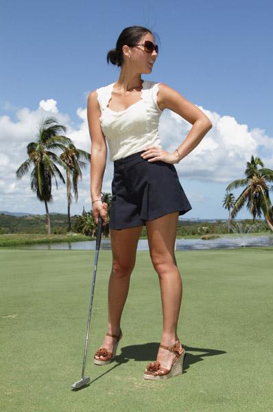 Olivia-Munn-Golf-2