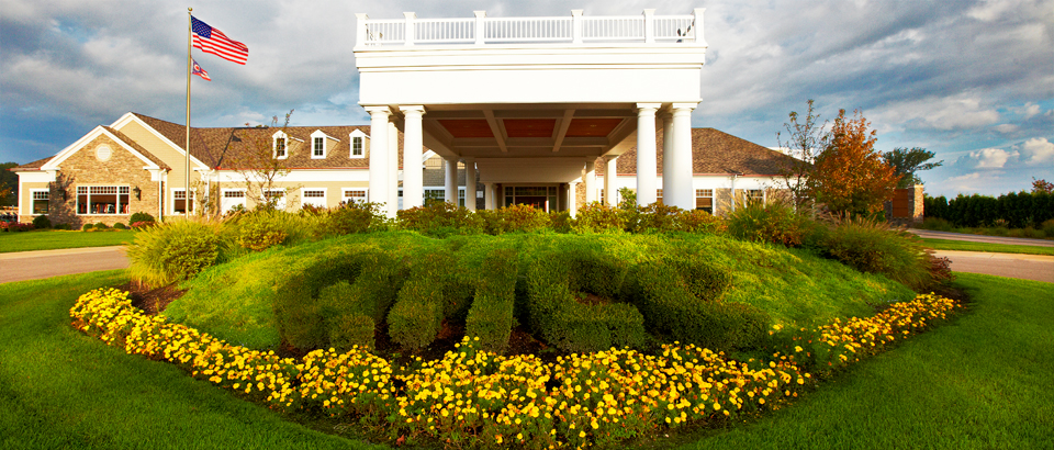 Quail-Hollow-Country-Club-Painesville-OH-clubhouse-960x410_rotatingGalleryFront